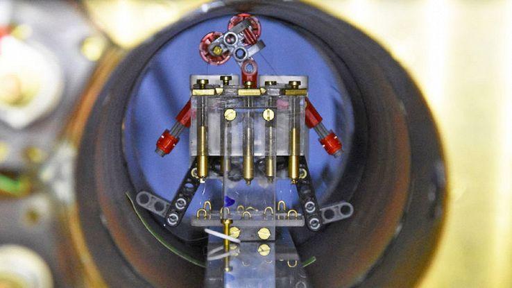 Uno sciame di robot microscopici in grado di sconfiggere il cancro