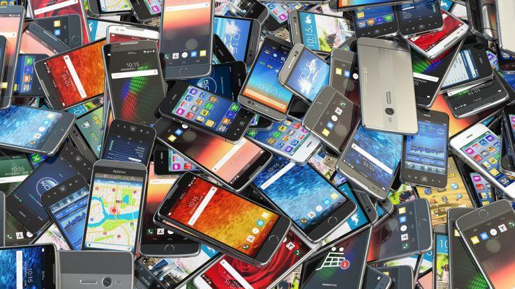 Riciclare gli smartphone per fare le medaglie: l'idea di Tokio 2020