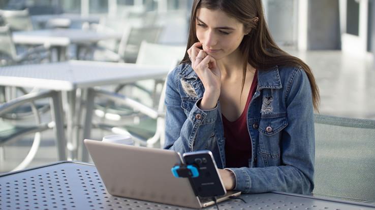 Come trasformare il tuo telefono in computer con mouse e tastiera