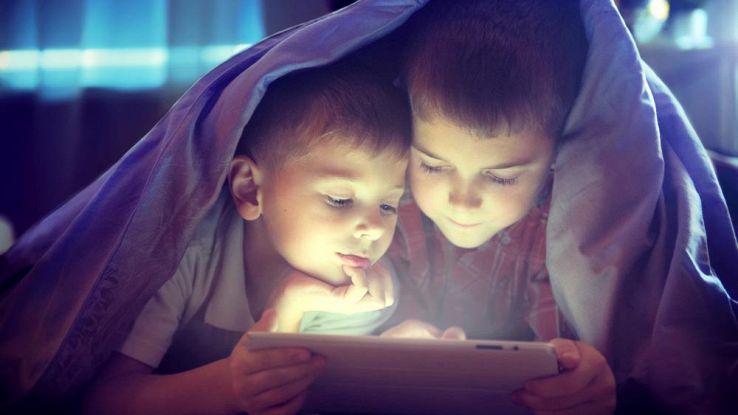 Come controllare cosa fanno i figli online