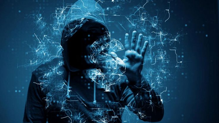 Hacker che ruba denaro