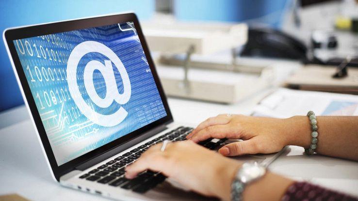 Cosa può contenere (e cosa no) un indirizzo mail?