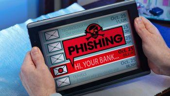 GdF, operazione anti-phishing: acquistavano Voucher con carte clonate