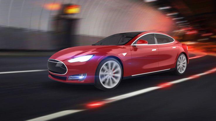 Tesla, la prossima auto avrà i pannelli solari sopra il tettuccio