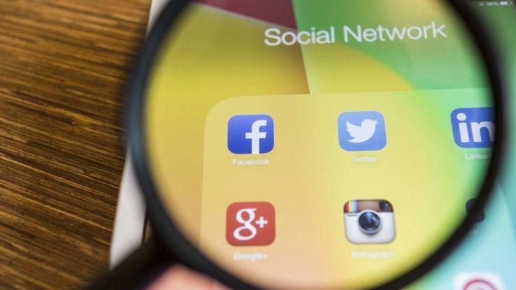 Unione Europea contro Facebook, Google e Twitter: policy poco chiare