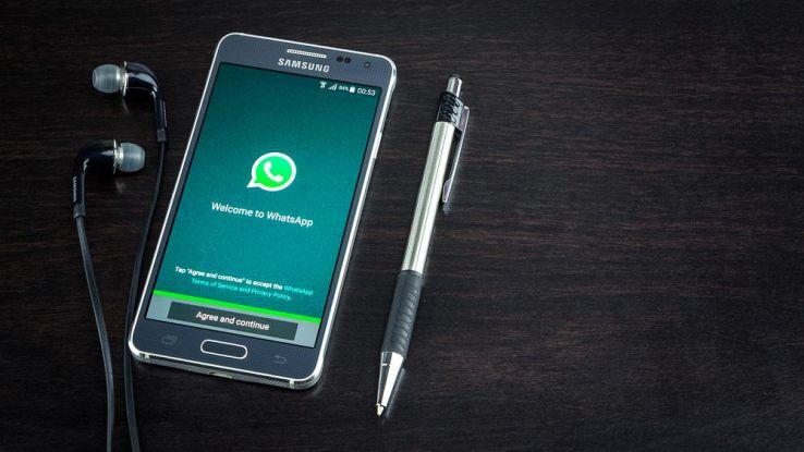 Cancellare messaggi su WhatsApp, si avranno due minuti di tempo