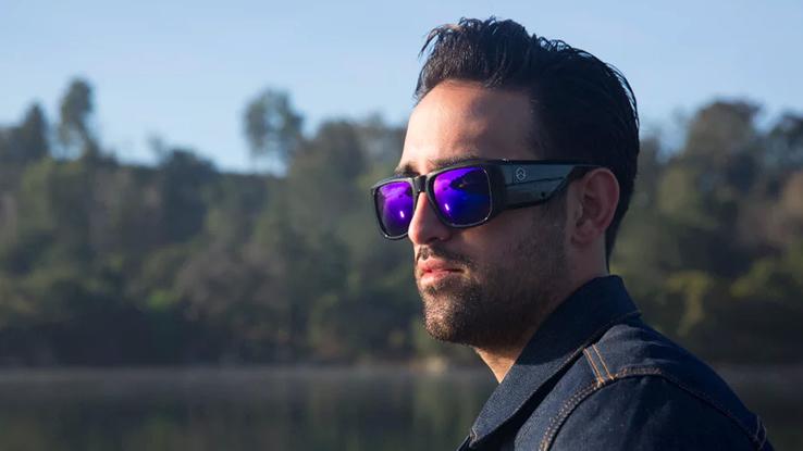 Omni FaceShot, gli occhiali con fotocamera incorporata
