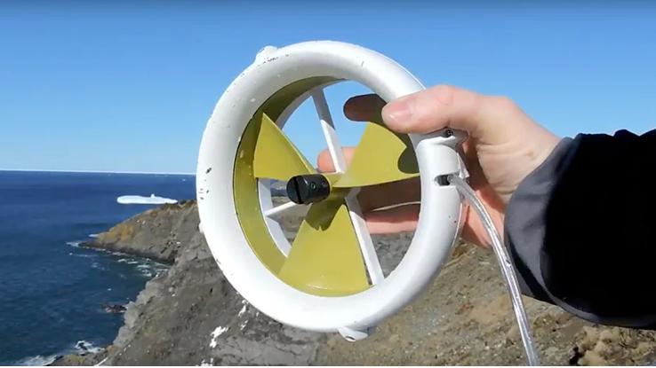 Waterlily, la miniturbina per ricaricare il telefono all'aria aperta