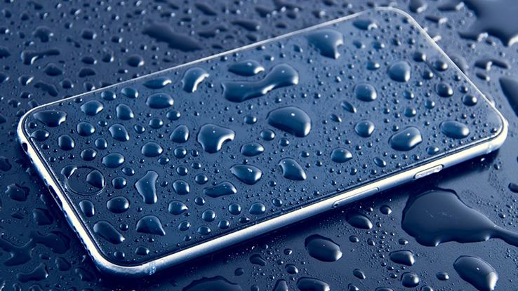 IP67 e IP68: lo smartphone è impermeabile o resistente all'acqua?