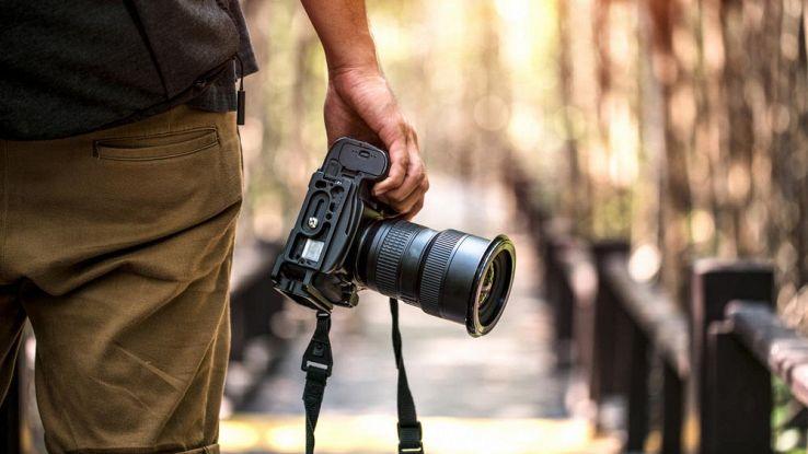 Che differenza c'è tra una fotocamera reflex e una mirrorless?