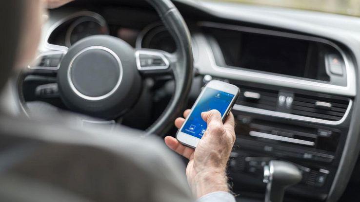 InTraffic Reply, l'app Samsung che risponde ai messaggi mentre guidate