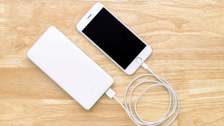 Come scegliere il miglior caricabatterie portatile per lo smartphone