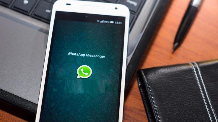 Come usare WhatsApp come archivio appunti, foto e video personali