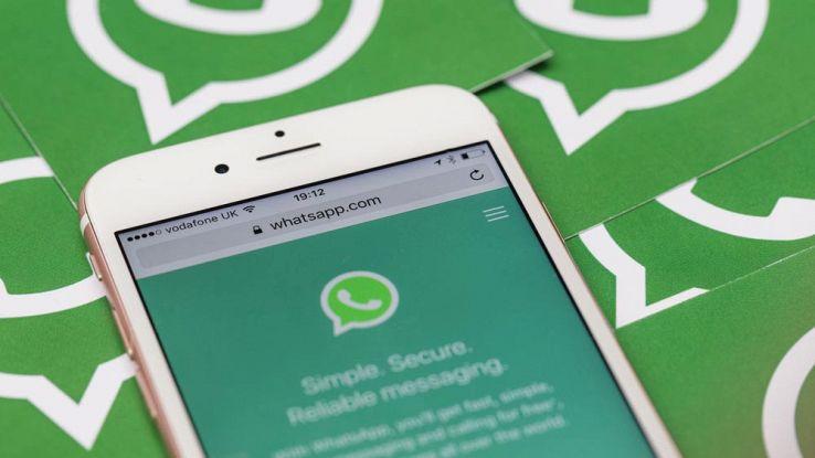 WhatsApp ha introdotto la possibilità di fissare in alto le chat