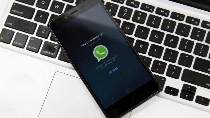 WhatsApp contro Messenger, quale delle due app scegliere