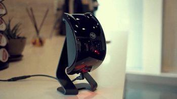 Felik, il puntatore laser per far giocare cane e gatto