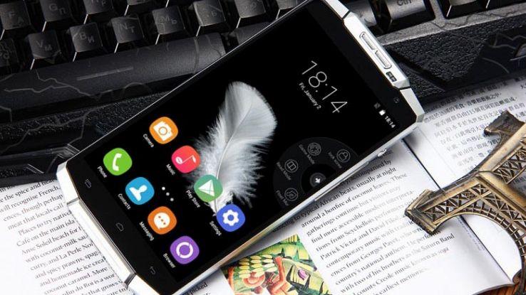 Oukitel K10000 Pro, lo smartphone con batteria (quasi) infinita