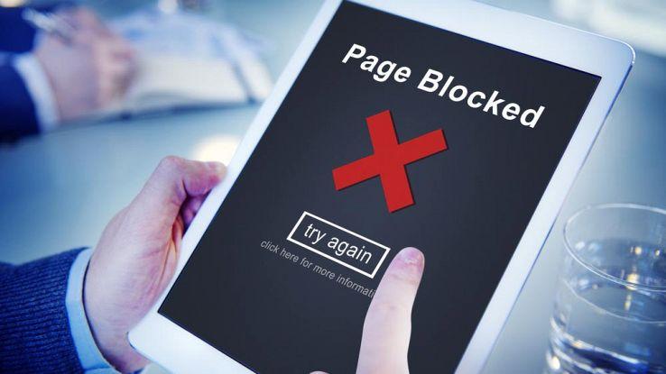 Come bloccare siti web su PC e smartphone