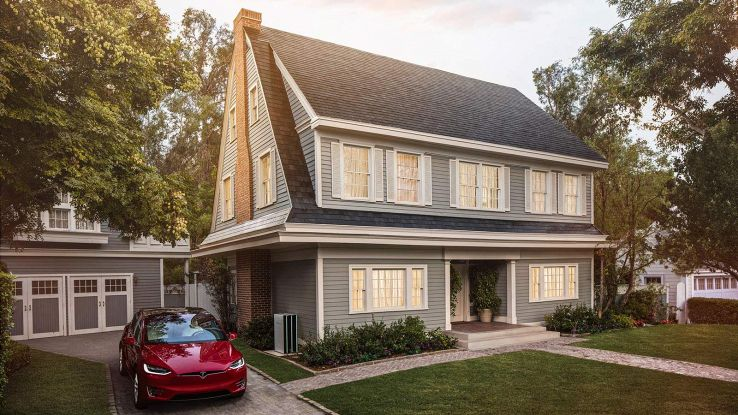Solar Roof, le tegole solari di Tesla in vendita da oggi