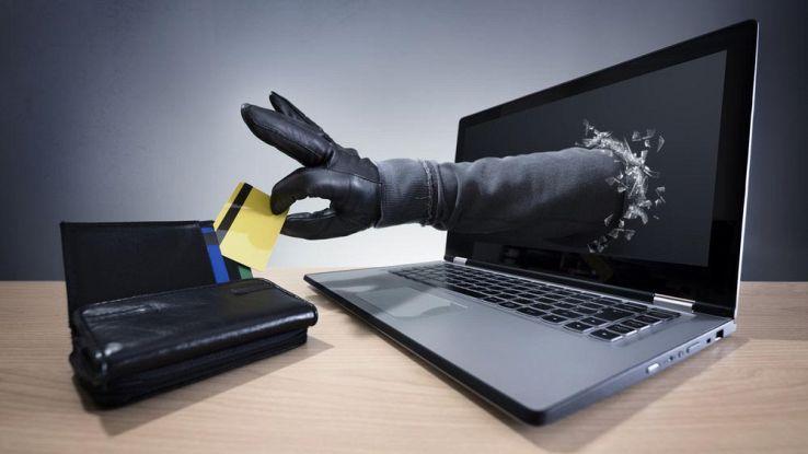 Aggiornamento PostePay, la truffa viaggia via email