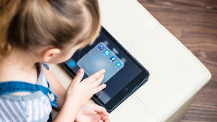 Come configurare l'iPad prima di farlo usare a tuo figlio