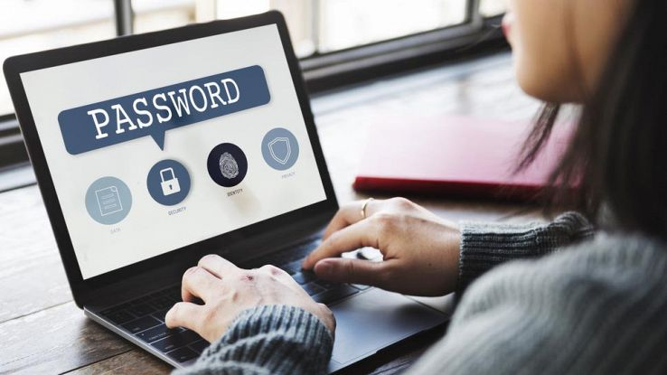 Password sicure e semplici da ricordare, i consigli dell'hacker