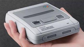 Nintendo presenta il mini SNES: torna la console-mito degli anni '90