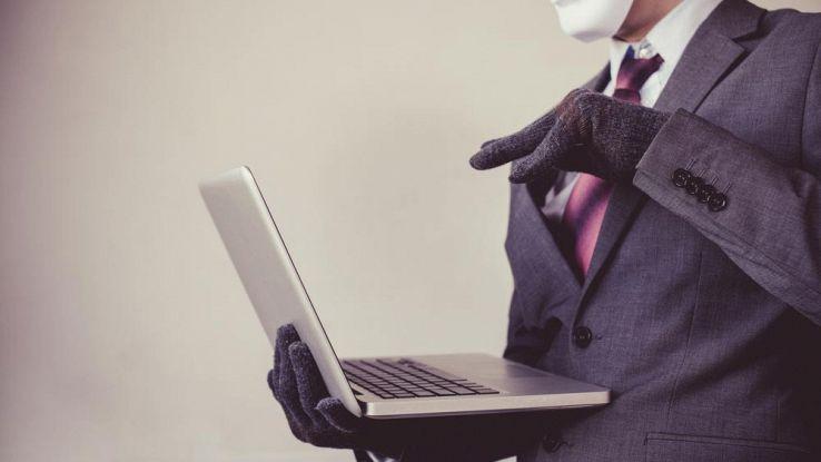 Truffa falsi voucher Mediaworld, l'allarme della Polizia