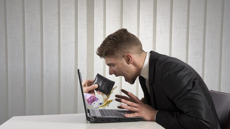 Attenti alle truffe online: 10 consigli per non perdere soldi