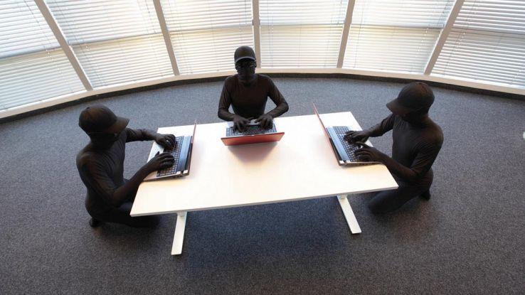 Hacker al lavoro: preparano il più grande attacco di sempre