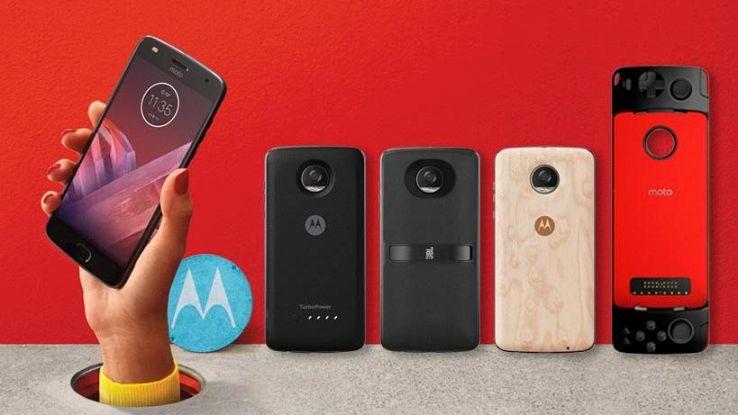 Motorola torna in Italia con Moto Z2 Play, Moto E4 e Moto C