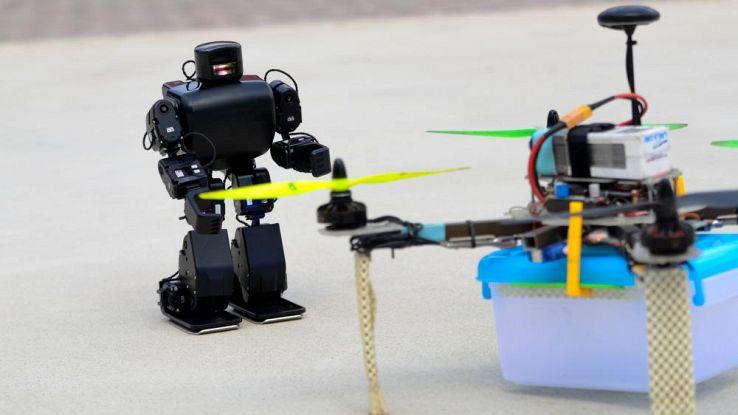 robot-droni