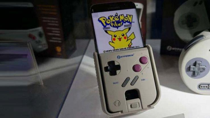 Smartphone trasformato in Game Boy grazie a una cover