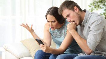 Pacchetto in attesa, l'SMS truffa che attiva servizi a pagamento