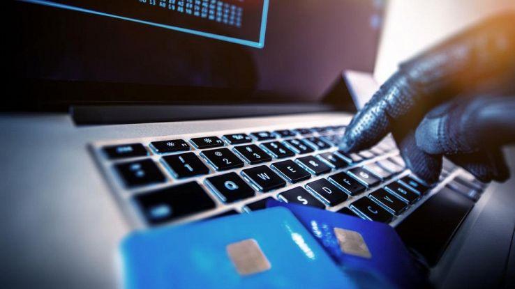Come evitare di farsi clonare la carta di credito