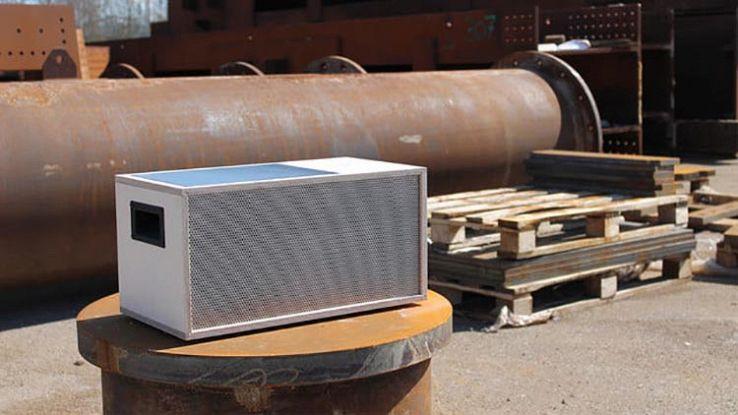 earwig-speaker-lifestyle-2-