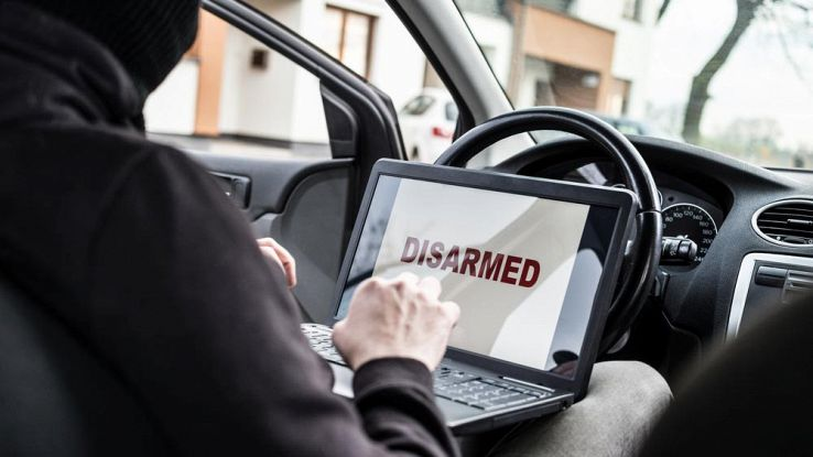 3 modi per hackerare l'auto connessa e come difendersi