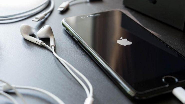 IPhone 7s, il sensore di impronte spostato sul retro del dispositivo