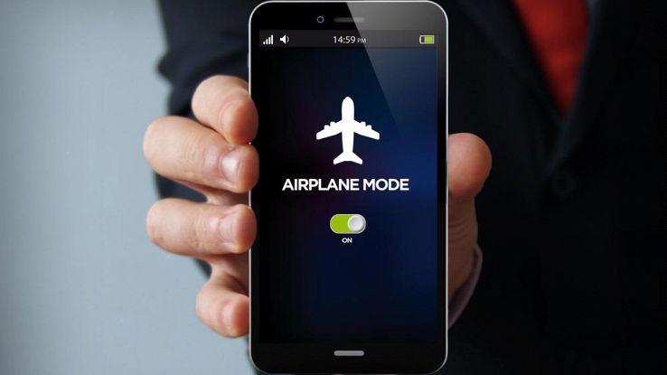 Che cos'è la modalità aereo, come funziona e quando usarla