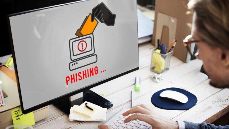 Phishing, d'estate aumentano i pericoli: 5 trucchi per difendersi