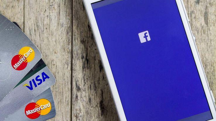 Facebook a pagamento: è una truffa. L'allarme della Polizia