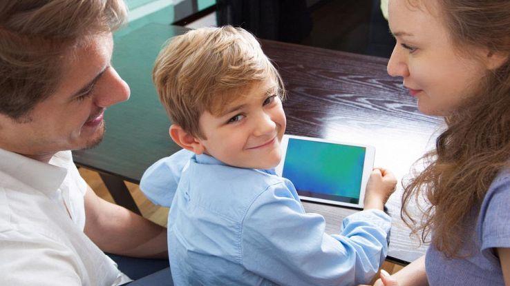 6 cose da fare e 6 cose da non fare con i figli online