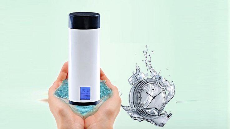 Pyrus, la bottiglia smart che ti ricorda quando bere