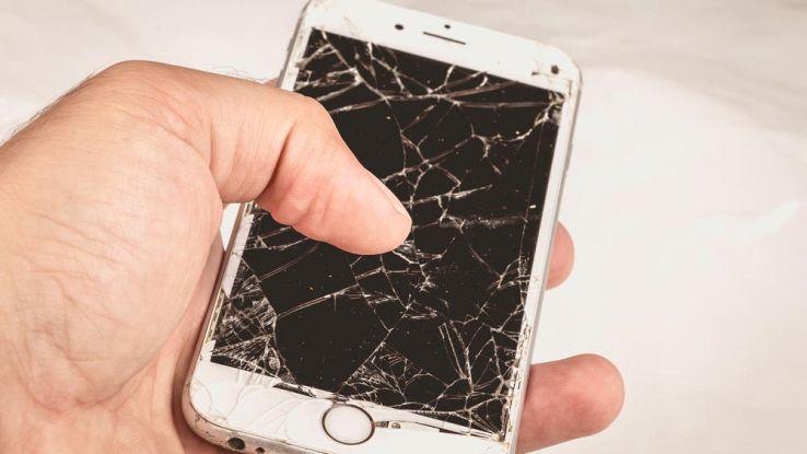 schermo-rotto-iphone
