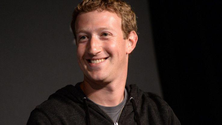 Zuckerberg, da Porto Rico a Luna con VR
