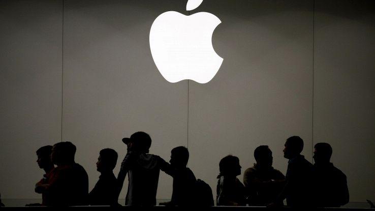 Apple, in futuro un iPhone pieghevole