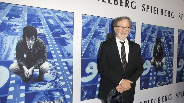 Apple: accordo Spielberg per serie tv