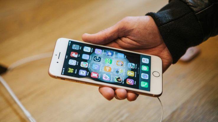 Come avviare l'iPhone 8 in modalità recupero e DFU