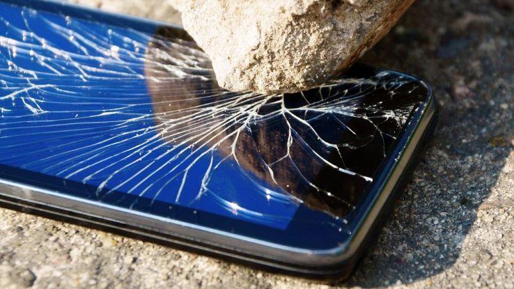 Come recuperare i dati dello smartphone se si rompe lo schermo | Libero  Tecnologia