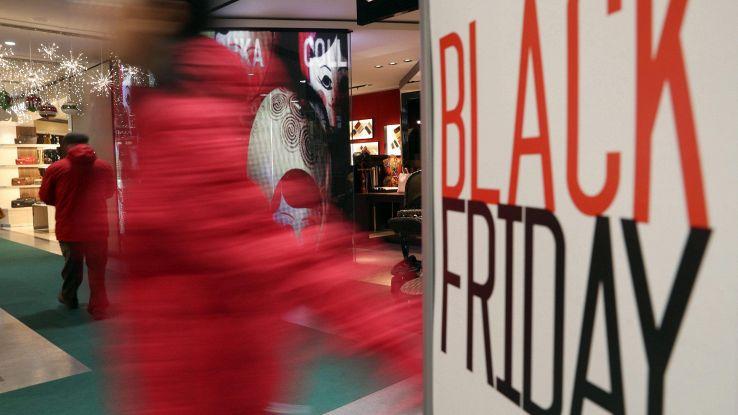 Black Friday, acquisti per 800 mln euro